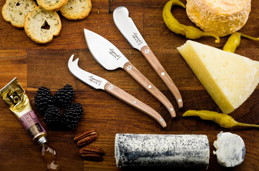 Laguiole Style de Vie Innovation cheese knives oak