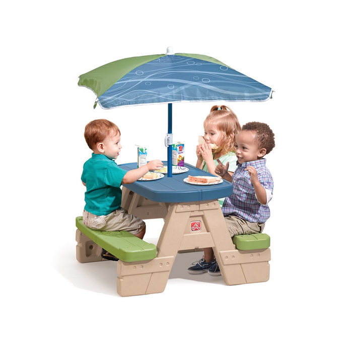Step2 Table de pique-nique Sit & Play et parasol