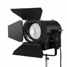 Falcon Eyes DLL-3000TW op 230V dimbare Bi-Color LED Spot Lamp