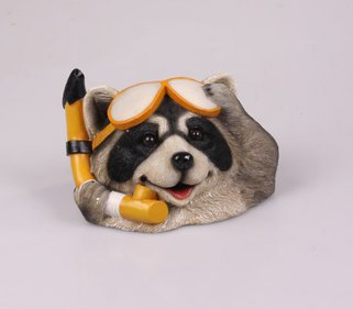 Farmwood Animals Floating raccoon diver garden image