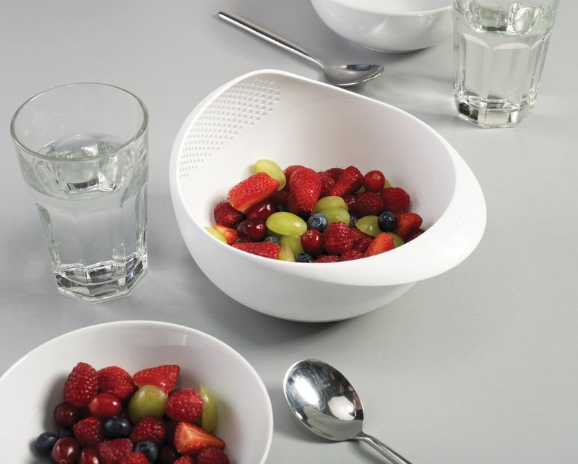 Joseph Joseph bowl with colander big
