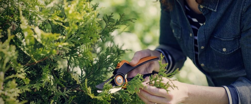 Fiskars PowerGearX M Bypass PX92 pruning shears